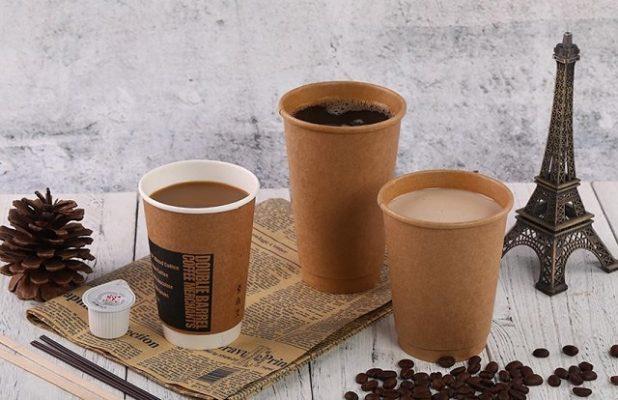 Thay ly nhựa bằng ly giấy vì sức khỏe của người tiêu dùng